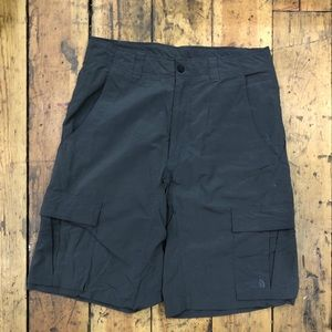 Men's The North Face short size 32